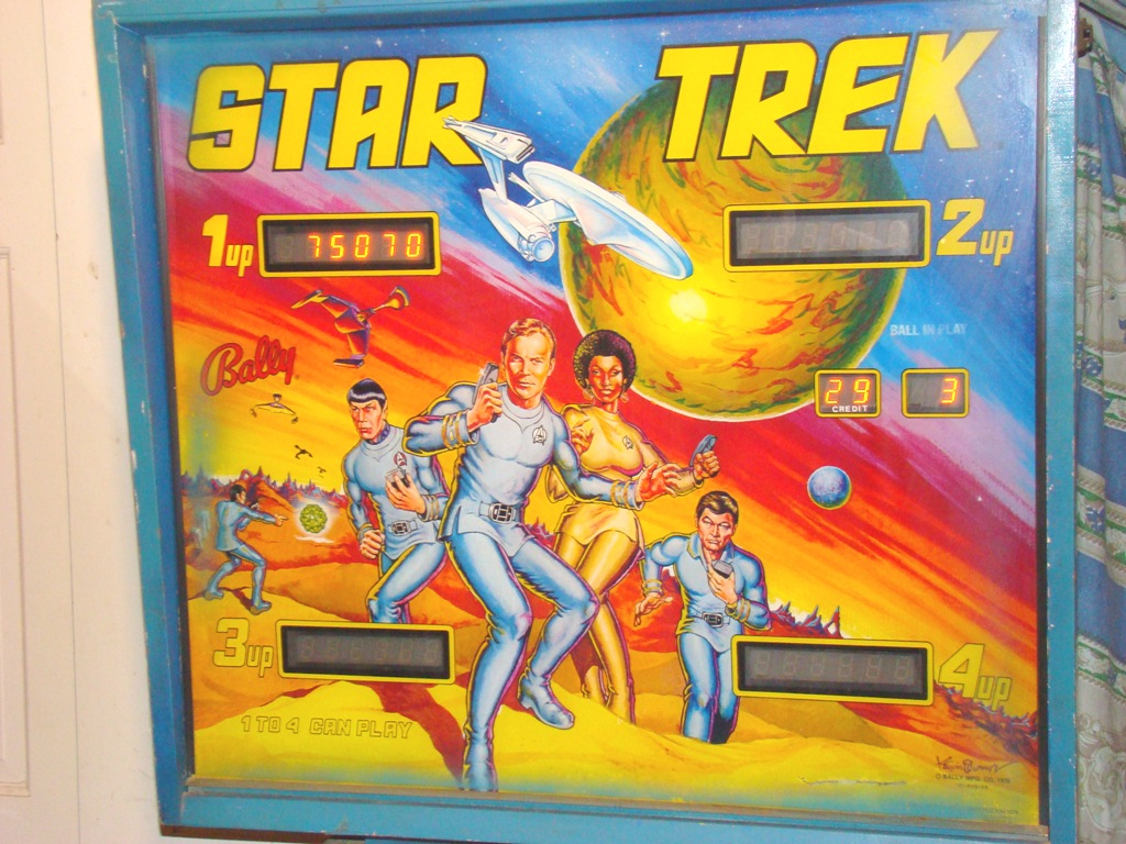 1978 star trek pinball machine with artist signature on bottom right of backing (4)